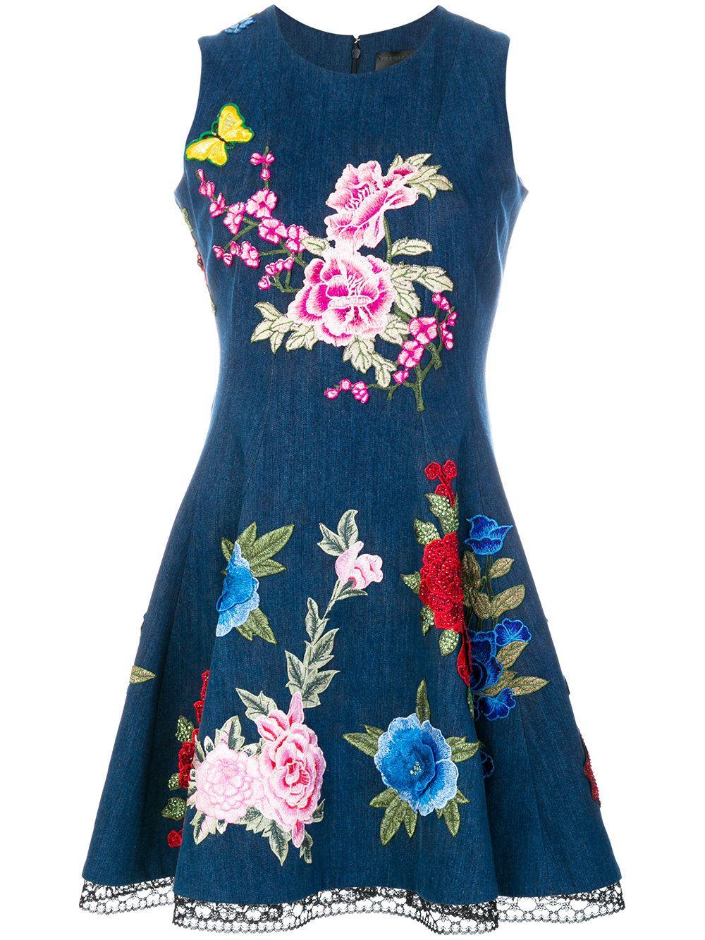 Платья с вышивкой и аппликациями
