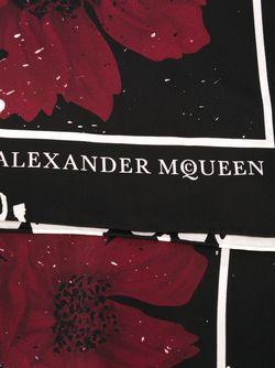 Шарф С Принтом Черепов И Гибискуса Alexander McQueen                                                                                                              многоцветный цвет