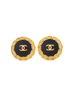 Oversized Round Logo Earrings Chanel Vintage                                                                                                              черный цвет