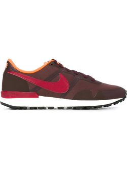 Internationalist Sneakers Nike                                                                                                              красный цвет