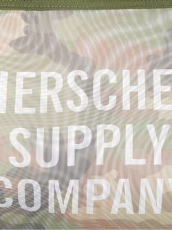 Большой Несессер Network Herschel Supply Co.                                                                                                              зелёный цвет