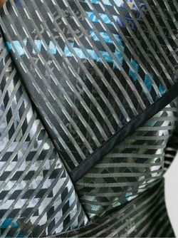 Пиджак С Запахом И Поясом Armani Collezioni                                                                                                              чёрный цвет
