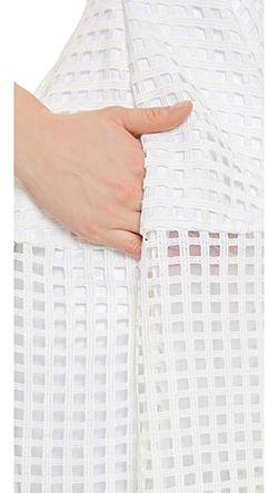 Бальное Платье С Глубоким V-Образным Вырезом Из Nicholas                                                                                                              None цвет