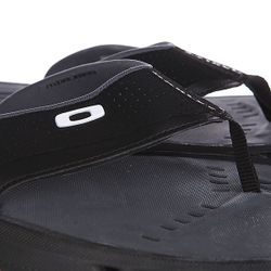 Шлепанцы Hydrofree Ellipse Tee Black Oakley                                                                                                              черный цвет