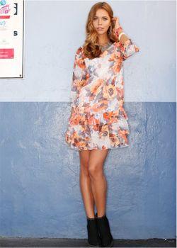 Платье bonprix                                                                                                              оранжевый цвет
