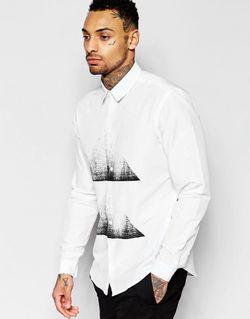 Рубашка Классического Кроя С Треугольным Принтом На Asos                                                                                                              белый цвет