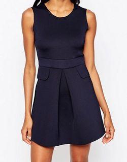 Короткое Приталенное Платье С Карманами Темно-Синий AX Paris                                                                                                              синий цвет