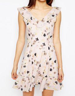 Платье Мини С Рюшами И Цветочным Принтом Asos                                                                                                              розовый цвет