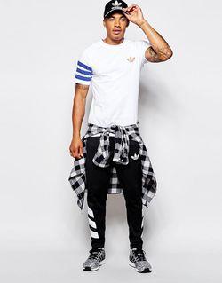 Fitted T-Shirt Ab7525 adidas Originals                                                                                                              белый цвет