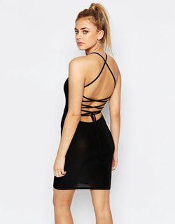 Облегающее Платье С Бретельками На Спинке Черный boohoo                                                                                                              черный цвет