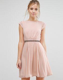 Короткое Приталенное Платье С Отделкой И Кружевной Elise Ryan                                                                                                              Телесный цвет