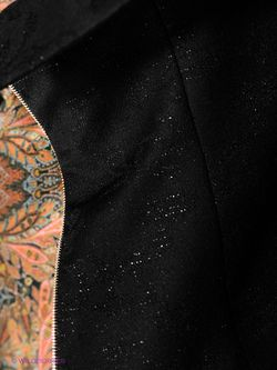 Жилеты Elena Shipilova                                                                                                              черный цвет