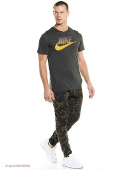 Футболка Nike                                                                                                              чёрный цвет