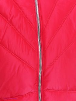 Куртки Luhta                                                                                                              красный цвет