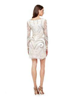 Платья Guess                                                                                                              бежевый цвет