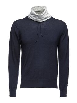 Пуловеры Guess                                                                                                              синий цвет