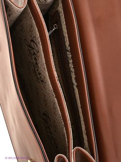 Сумки Guess                                                                                                              коричневый цвет