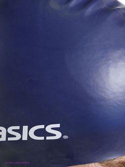 Шапки Asics                                                                                                              синий цвет