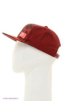 Бейсболки Nike                                                                                                              красный цвет