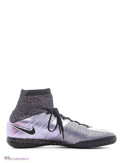Бутсы Nike                                                                                                              фиолетовый цвет