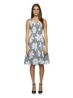 Платья Apart                                                                                                              белый цвет