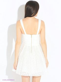 Платья Guess                                                                                                              Молочный цвет