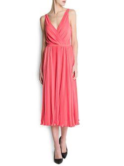 Платья Mango                                                                                                              розовый цвет