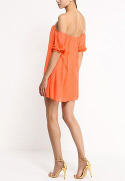 Платье Bebe                                                                                                              Коралловый цвет