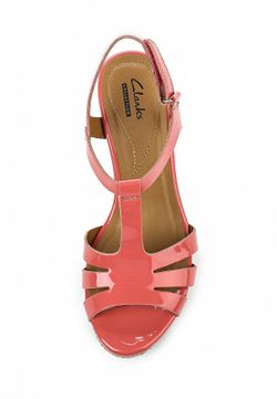 Босоножки Clarks                                                                                                              розовый цвет