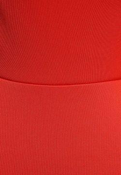 Топ Concept Club                                                                                                              красный цвет