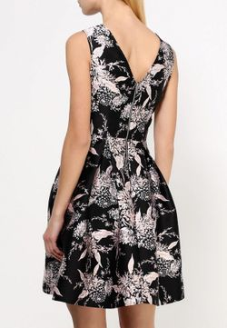 Платье Dorothy Perkins                                                                                                              черный цвет