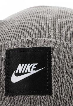 Шапка Nike                                                                                                              серый цвет