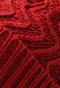 Шапка s.Oliver                                                                                                              красный цвет