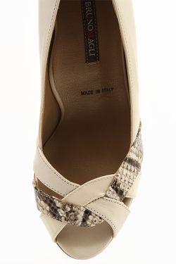 Туфли Bruno Magli                                                                                                              бежевый цвет