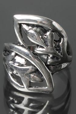 Кольцо NINA FORD                                                                                                              Серебряный цвет