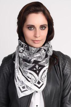 Платок Versace                                                                                                              чёрный цвет