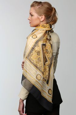 Палантин Versace                                                                                                              чёрный цвет