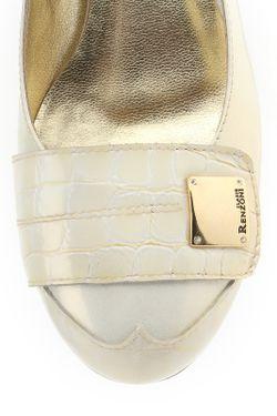 Туфли Renzoni                                                                                                              бежевый цвет