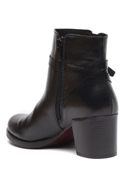 Ботинки Uma                                                                                                              чёрный цвет