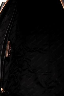 Сумка DKNY                                                                                                              черный цвет