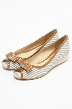 Туфли Modecco                                                                                                              бежевый цвет
