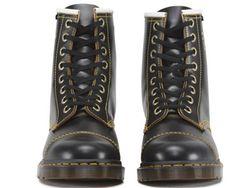 Ботинки Dr. Martens                                                                                                              чёрный цвет