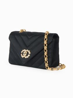 Сумка На Плечо С Цепочной Отделкой Chanel Vintage                                                                                                              черный цвет