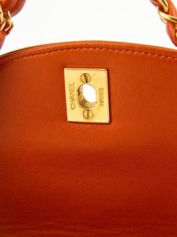 Сумка С Цепочной Ручкой Chanel Vintage                                                                                                              желтый цвет