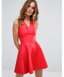 Sisley   Короткое Приталенное Платье
