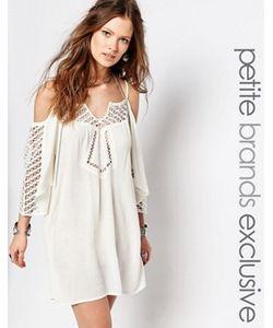 Glamorous Petite | Платье С Открытыми Плечами И Кружевной Отделкой