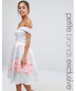 Chi Chi Petite | Атласное Платье Для Выпускного С Цветочной Отделкой Chi Chi London Petite