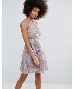 Club L | Короткое Приталенное Платье С Вырезом Сердечком И 3d-Цветами