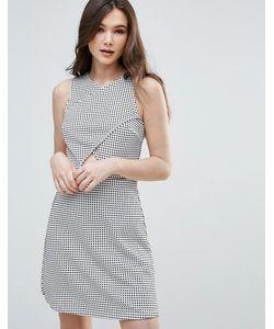 Vero Moda   Короткое Приталенное Платье В Клетку С Вырезом