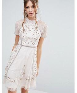 Frock and Frill | Короткое Приталенное Платье С Цветочной Отделкой